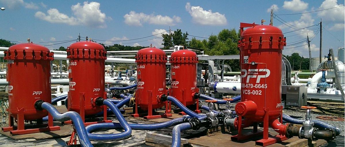 Carcasas de filtro coalescentes instalados in situ para filtrar nafta para reactores (querosén de aviación)